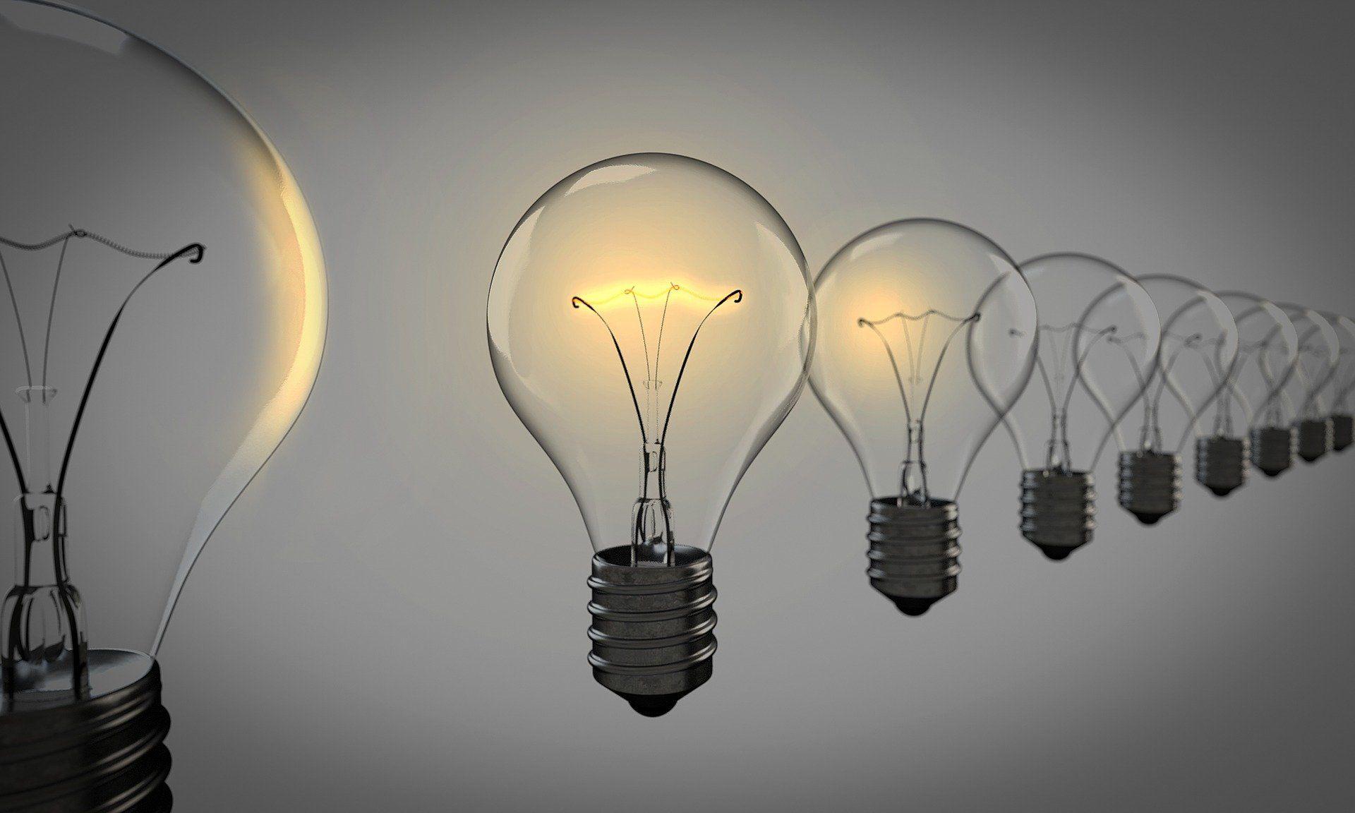 چراغ های روشن نمادی از خلاقیت