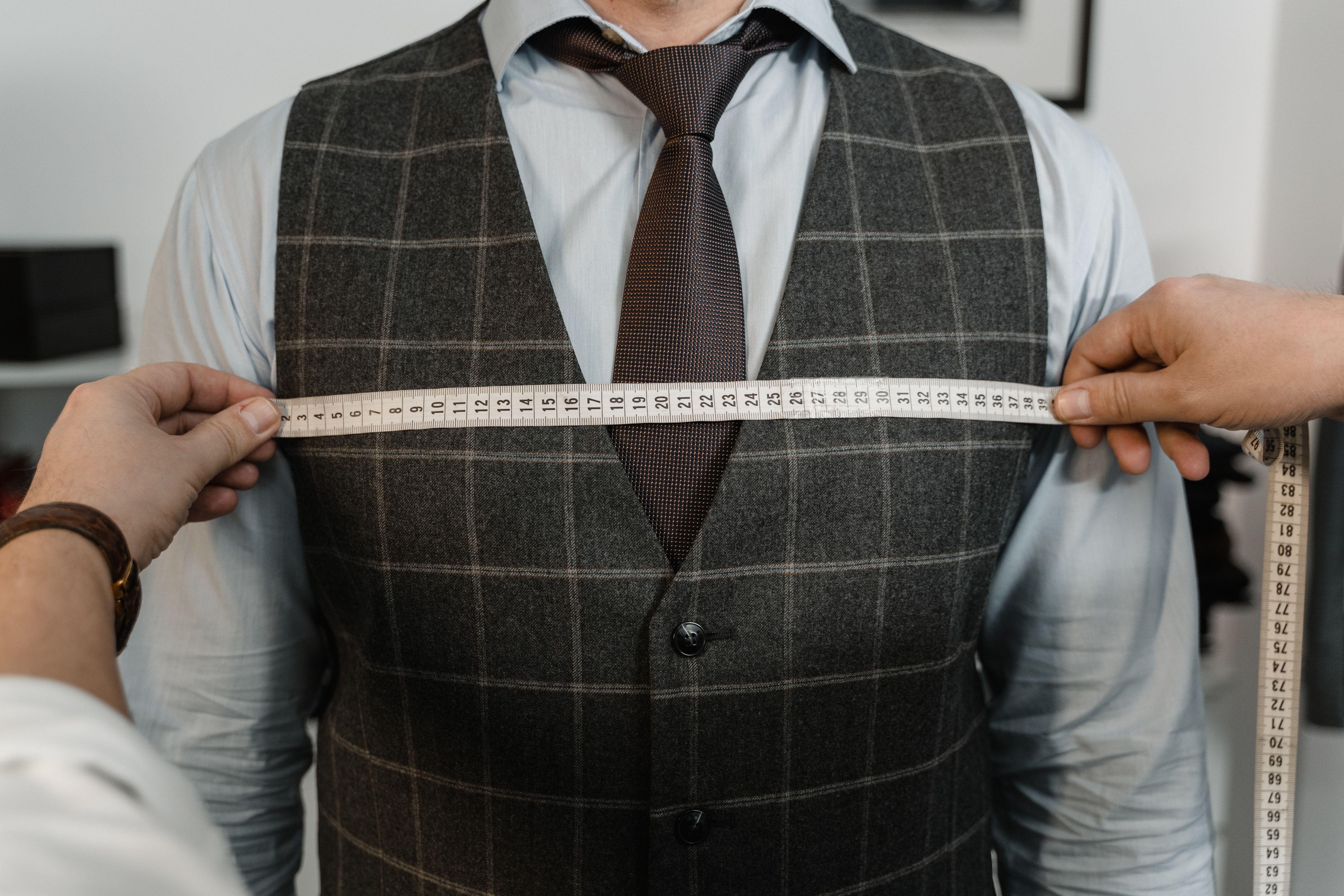 اندازهگیری سایزهای بدن برای تعیین سایز لباس