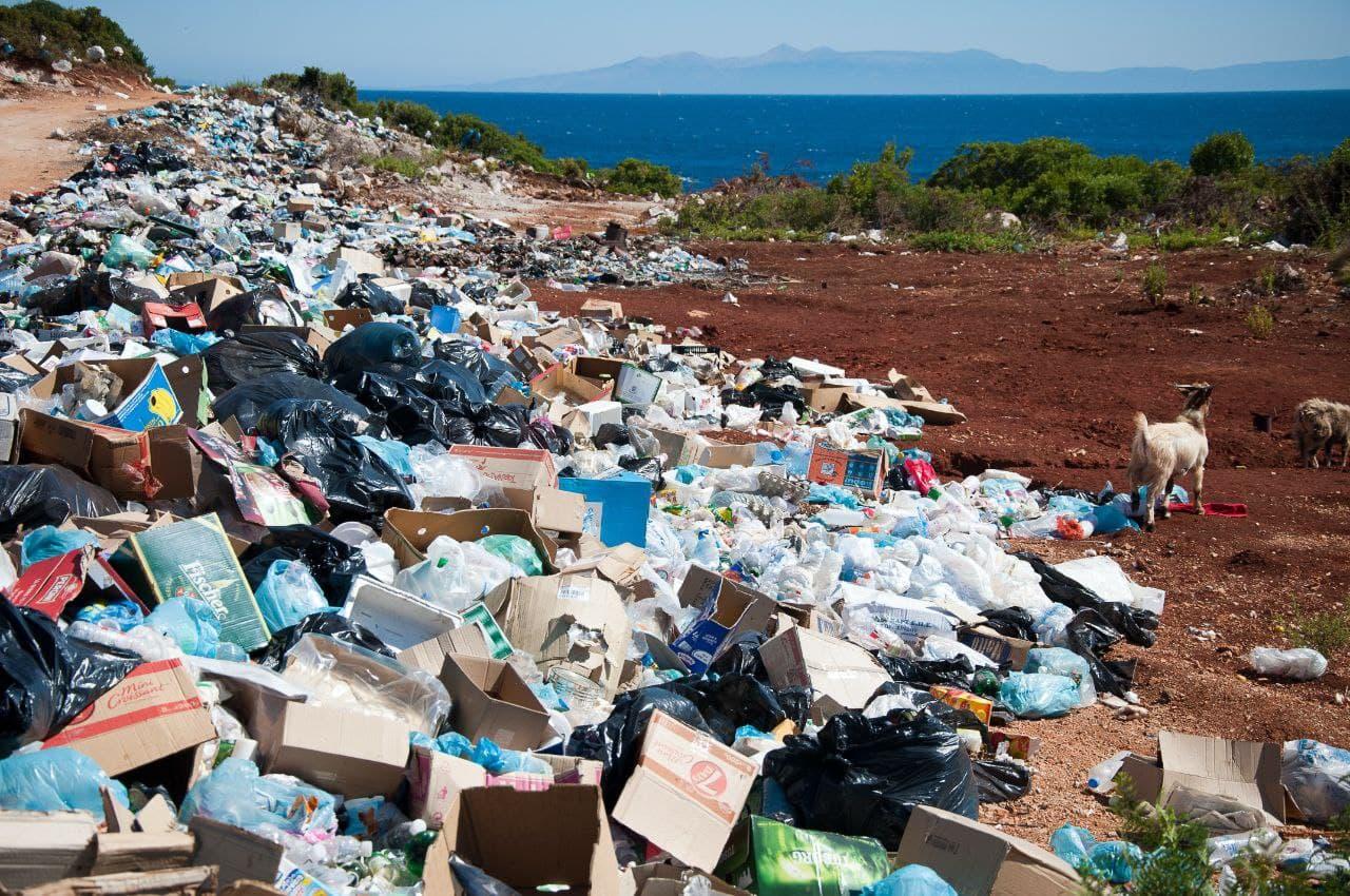 رها شدن زباله های بیمارستانی در طبیعت