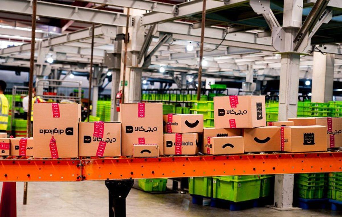 جعبههای محصولات دیجیکالا در انبار